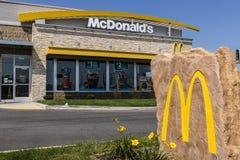 Kokomo - Circa Augustus 2017: De Plaats van het McDonald` s Restaurant McDonald ` s is een Ketting van Hamburgerrestaurants XII Royalty-vrije Stock Foto