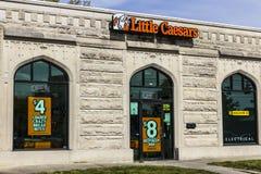 Kokomo - circa ottobre 2016: Poca concessione della pizza di Caesars Poco Caesars è una pizza d'inclusione a catena ed ali di ava Immagine Stock