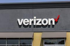 Kokomo - circa septiembre de 2017: Ubicación de la venta al por menor de Verizon Wireless Verizon es el U más grande S proveedor  Fotos de archivo libres de regalías