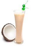 Kokosnötfruktsaft med mjölkar Arkivbild