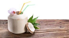 Kokosnötvatten royaltyfria foton