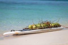 Kokosnüsse für Verkauf Lizenzfreies Stockfoto