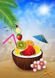 Kokosnoot met vruchten op het strand Royalty-vrije Stock Foto