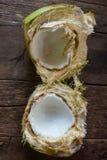 Kokosnoot op houten achtergrond Royalty-vrije Stock Fotografie