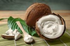 Kokosnotenroom in noot stock fotografie