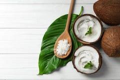 Kokosnotenroom in noten stock afbeelding