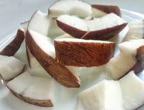 Kokosnotenstukken Stock Afbeeldingen