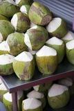 kokosnötter Fotografering för Bildbyråer