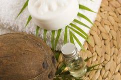 Kokosnussöl für alternative Therapie stockfotos