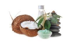 Kokosnuss, Salz und Steine Lizenzfreies Stockfoto