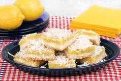 Kokosnuss-Zitronen-Stangen Stockbild