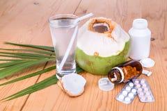 Kokosowe sok pomoce obniżają ciśnienie krwi, cukrzyk, metabolizm, obraz royalty free