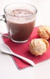 Kokosowi ciastka i gorąca czekolada zdjęcie royalty free
