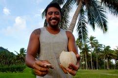 Kokospalmjordbruk i den Aitutaki lagunkocken Islands Arkivfoto