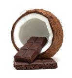 Koks i czekolada odizolowywający na bielu Zdjęcie Royalty Free