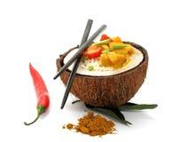 Koksu, ryż i curry'ego kurczak odizolowywający, Fotografia Royalty Free