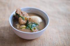 Kokt griskött för ägg med tofuen Royaltyfri Bild