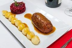 Kokt nötköttroulade Fotografering för Bildbyråer