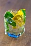 Koktajl z cytryny i miętówki liśćmi Zdjęcie Royalty Free
