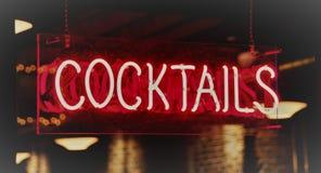 Koktajli/lów alkoholiczka Mieszający napoje obrazy stock