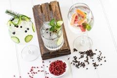 Koktajli/lów napojów napojów tła pokój dla teksta Fotografia Stock