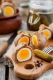Kokurki, ovos cozidos duros envolvidos massa de Rye Imagem de Stock Royalty Free