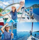 Kolaż chłopiec na pokładzie żeglowanie jachtu na lato rejsie Podróżuje przygodę, jachting z dzieckiem na rodzinie Zdjęcie Stock