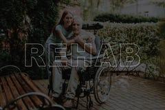 Kolażu Rehab Nieważny mężczyzna z córką Outdoors obraz stock
