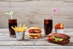 Kola et hamburgers photos libres de droits