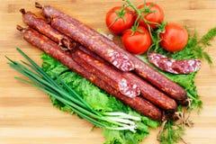 kolbasz ντομάτα ρόλων γεύματος λιχουδιών Στοκ φωτογραφία με δικαίωμα ελεύθερης χρήσης