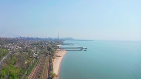 Kolej morzem kryzysu ekologiczny ?rodowiskowy fotografii zanieczyszczenie zbiory wideo