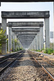 Kolej przy Bangkok Wynosił drogi i pociągu system BERTS Fotografia Royalty Free