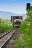 kolejowego śladu pociągi Obrazy Royalty Free