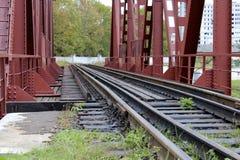 Kolejowego mosta czerwień Obraz Royalty Free