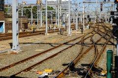 Kolejowi ślada i infrastruktura sieci Fotografia Royalty Free