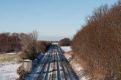 Kolejowi ślada w Duńskim zima krajobrazie Obrazy Royalty Free