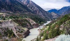 Kolejowy most nad górami rzecznymi Obraz Royalty Free