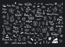 Kolekcja boże narodzenie nowy rok dekoraci rzeczy doodles, xmas drzewa, Santa kapelusze, prezenta pudełko, płatki śniegu, gałązki ilustracja wektor