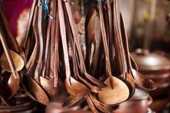 Kolekcja drewniani szpachelek obwieszenia na wierzchołku obraz royalty free