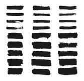 Kolekcja grunge prostokąta muśnięcia uderzenia Malujący lampasy ustawiający Czarna ręka rysująca atrament tekstura Linie odizolow ilustracji
