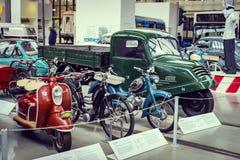 Kolekcja historycznie zna Monachium i pojazdy Odtransportowywa Muzealnego Deutsches muzeum Verkehrszentrum fotografia stock