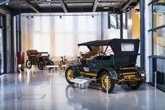 Kolekcja historycznie zna Monachium i pojazdy Odtransportowywa Muzealnego Deutsches muzeum Verkehrszentrum obrazy stock