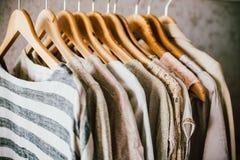 Kolekcja moda odziewa w beżowych kolorach zdjęcia stock