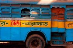KOLKATA INDIEN - JANUARI 17: Färgrikt traditionellt   royaltyfria bilder