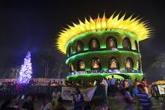 KOLKATA, INDIEN - 1. OKTOBER 2014: Durga Puja-Festival, verziertes pandal Lizenzfreie Stockbilder