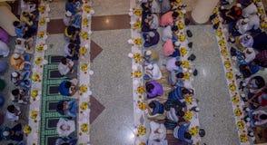 KOLKATA, LA INDIA - 24 DE MAYO DE 2019: Éste es partido de Iftar foto de archivo