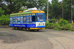 Kolkata-Tram-Zug-Stellung Lizenzfreie Stockfotos