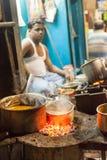 Kolkata uliczny karmowy sprzedawca Fotografia Stock