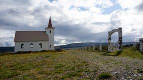 Kollafjardarneskirkja, una delle molte chiese islandesi Fotografie Stock Libere da Diritti