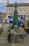 Kollektiv vattenpump på Grassington, Yorkshire Arkivfoto